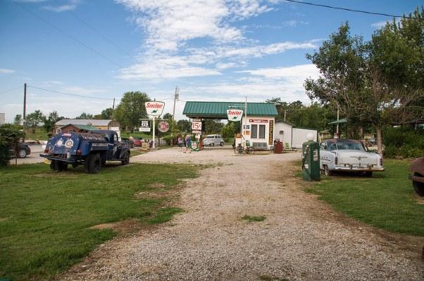 Gary Parita Service Station (Ash Grove, Missouri)