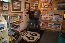 Jerry Mcclanahan, l'artista che ha realizzato la mitica EZ 66 for travelers, la guida senza la quale non è possibile percorrere la Route 66 come si deve. Oltre ad autografarmi le due guide EZ che ho, abbiamo parlato parecchio della Route 66 e dei suoi progetti futuri.
