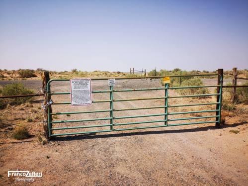 Cancello di accesso all'ultimo tratto della Pinta Rd. Verso il Trading Post